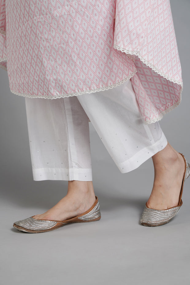 White Embroidered Narrow Pants