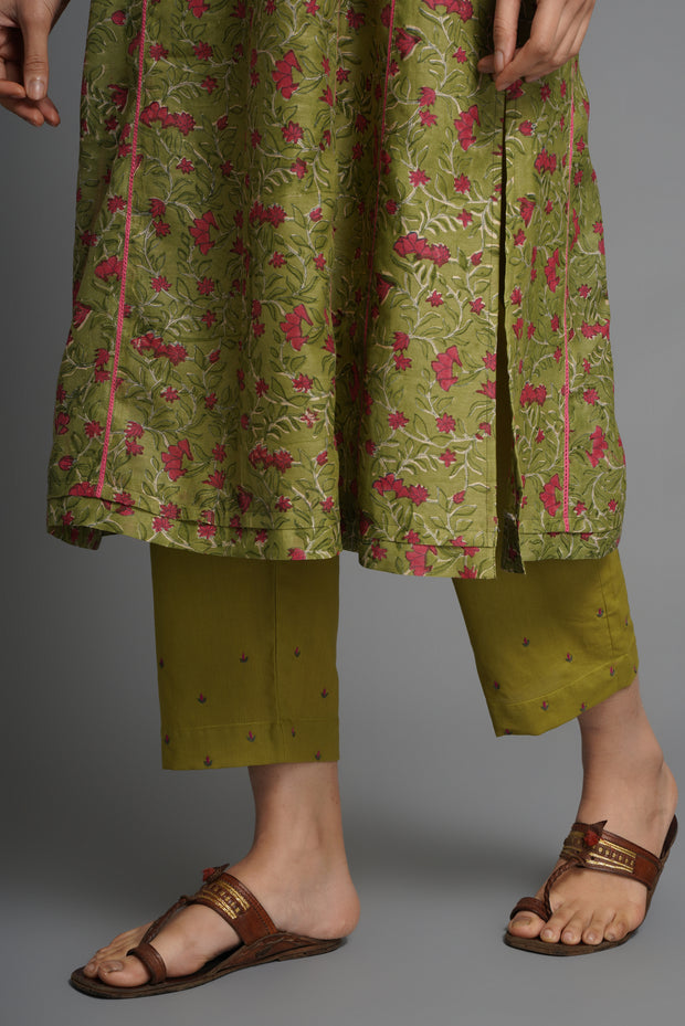 Green Narrow Embroidered Pants