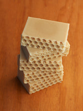 Load image into Gallery viewer, Goatmeal Honey Handmade Soap
