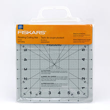 "Load image into Gallery viewer, Fiskars 8"" Rotating Cutting Mat"