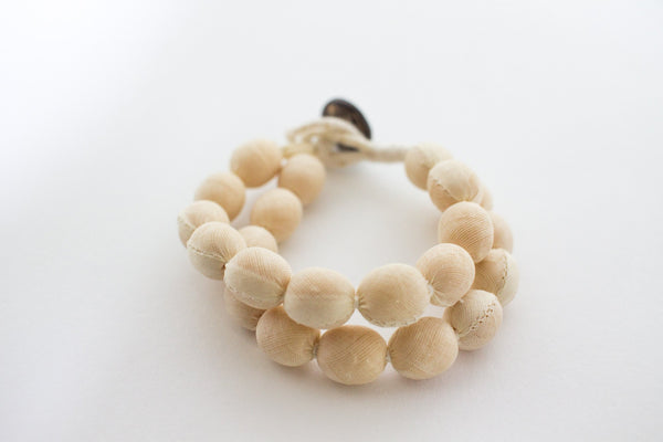 Coconut Button Bracelet (Beige)