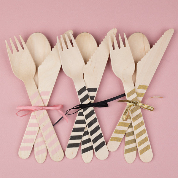 "Wooden Party Cutlery<BR>Black Stripe<BR><font color=""#ae9a64"">Pack of 10"