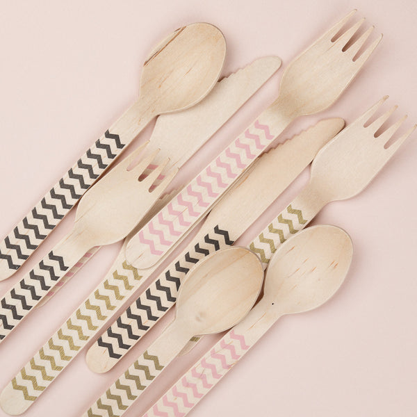 "Wooden Party Cutlery<BR>Red Chevrons<BR><font color=""#ae9a64"">Pack of 10"