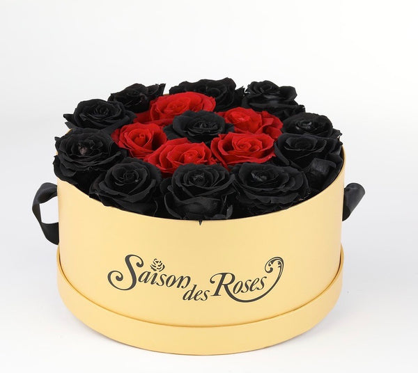 ALL BLAKC Roses by Saison Des Roses