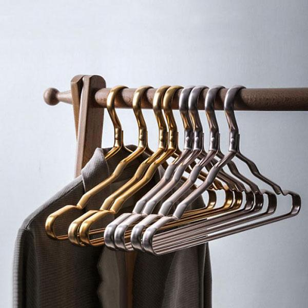 Thick Metal Hangers | A Deal Each Week