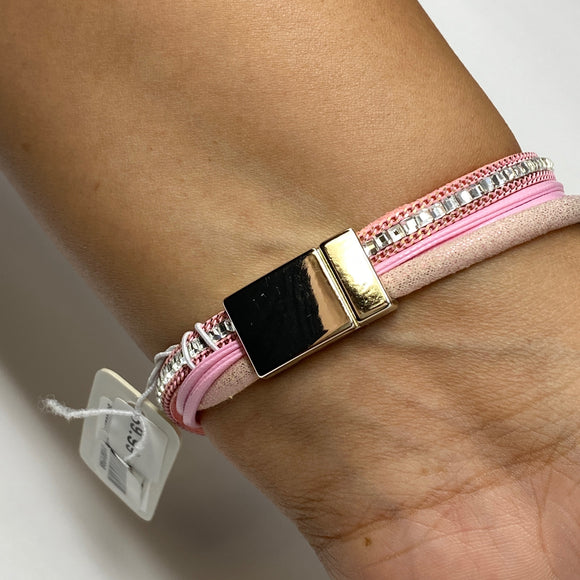 #19 - Magnet Close Bracelet - The Pink Makeup Box