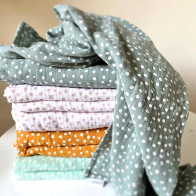Muslin Wrap Blanket - Small Smudge Dot