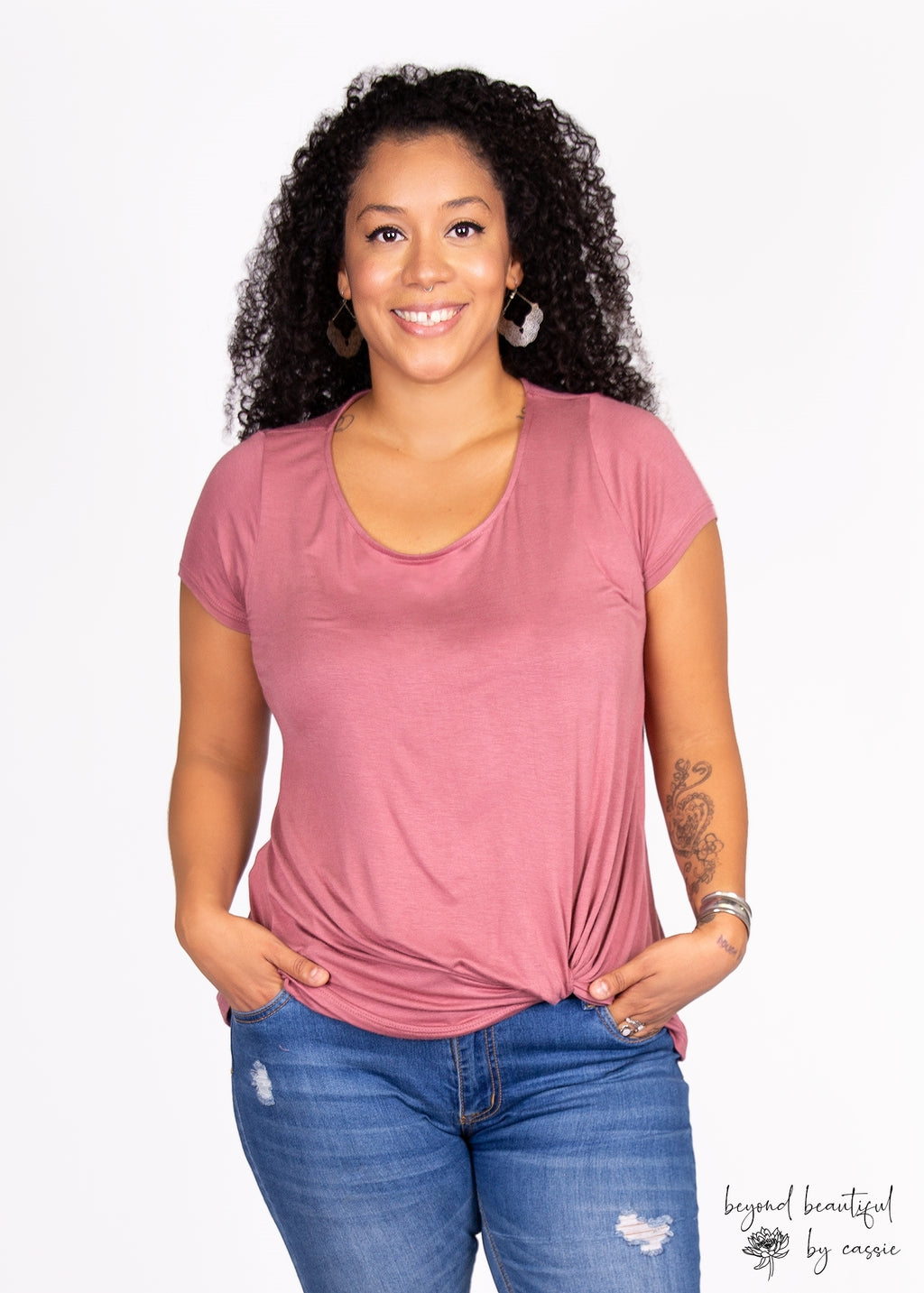 Paisley Raye Nerine Tee with Beyond Beautiful by Cassie, shop now at http://beyondbeautifulbycassie.com/