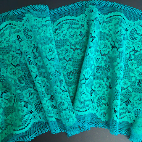 Stretch Lace ~ Emerald