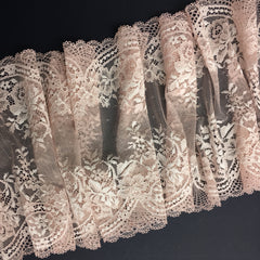 Stretch Lace ~ Orchid