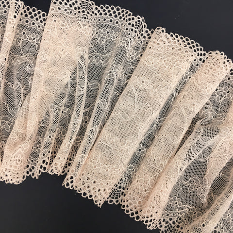 Stretch Lace ~ Coral Confection