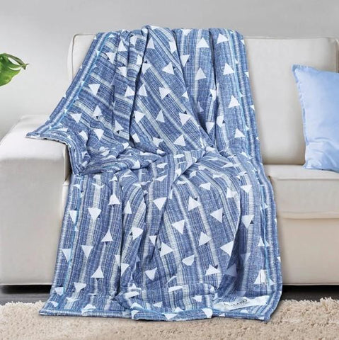 Malako AC Comforters Cotton + Polyester (120 gsm Polyfibre Filling) White & Blue Geometrical Comforter/Quilt