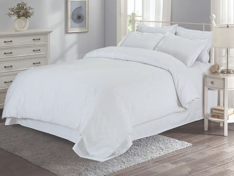Malako Vibrant Fine Cotton White Solid Bedding Set