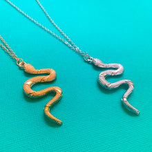 Load image into Gallery viewer, Snake Necklace