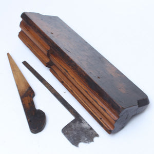 Early Moulding Plane - A ROWE - OldTools.co.uk