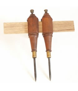 Walnut Trammel Points - OldTools.co.uk