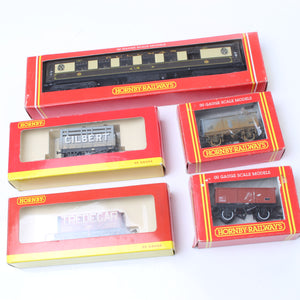 Hornby Railway Wagons and Carriage – Gauge 00