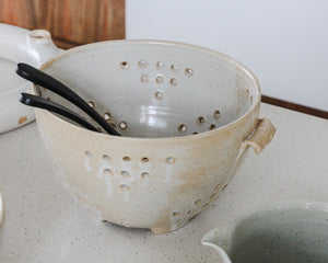 Load image into Gallery viewer, COLANDER | PARCHMENT