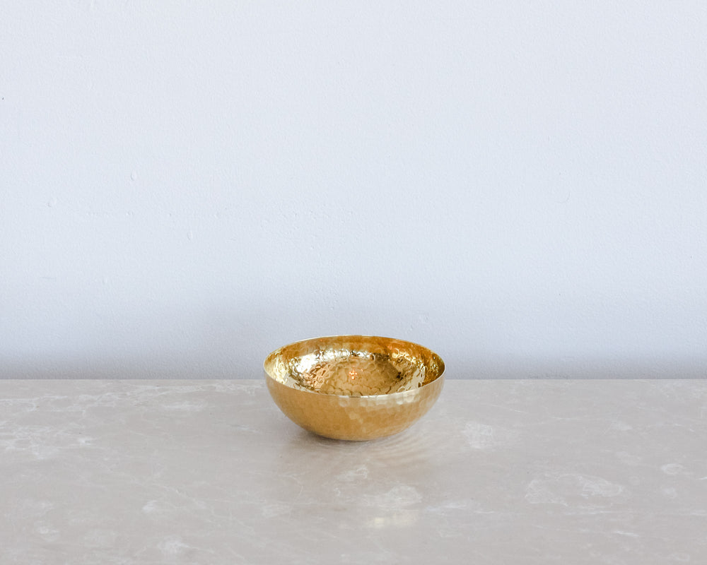 Load image into Gallery viewer, HAMMERED BRASS BOWL