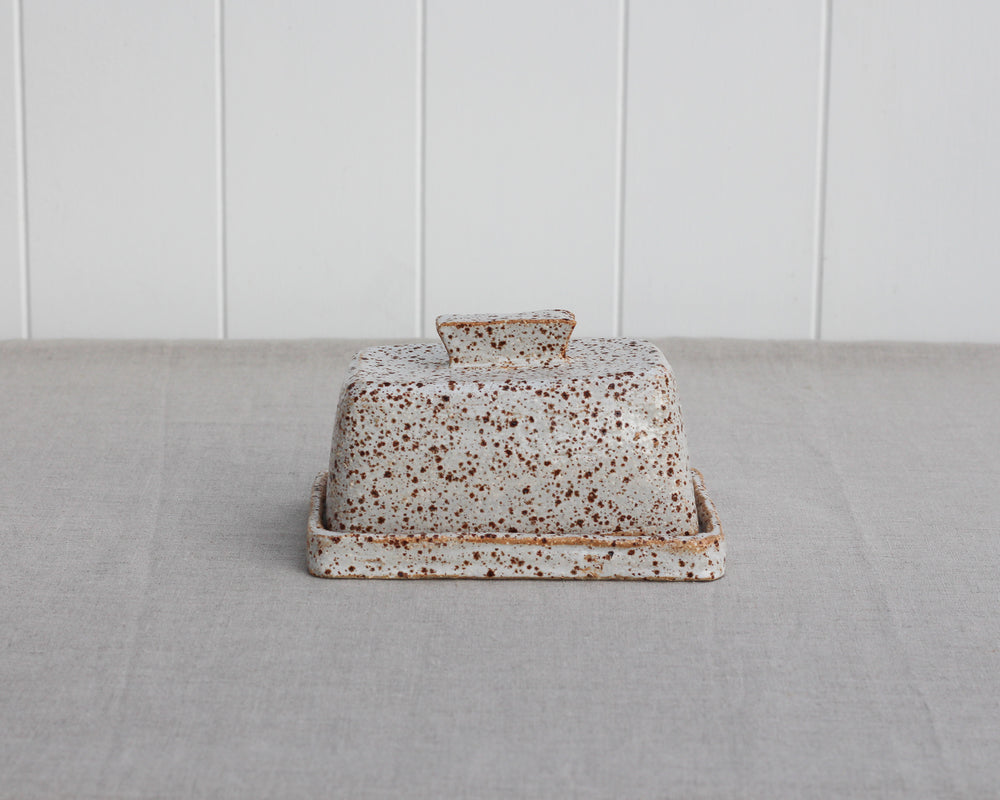 Load image into Gallery viewer, BUTTER DISH | HEN CLAY