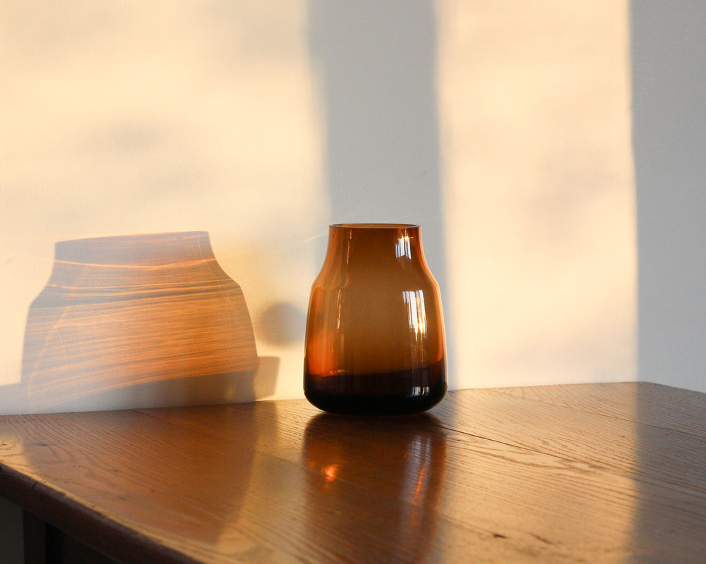 Load image into Gallery viewer, BROWN GLASS SEDGWICK VASE
