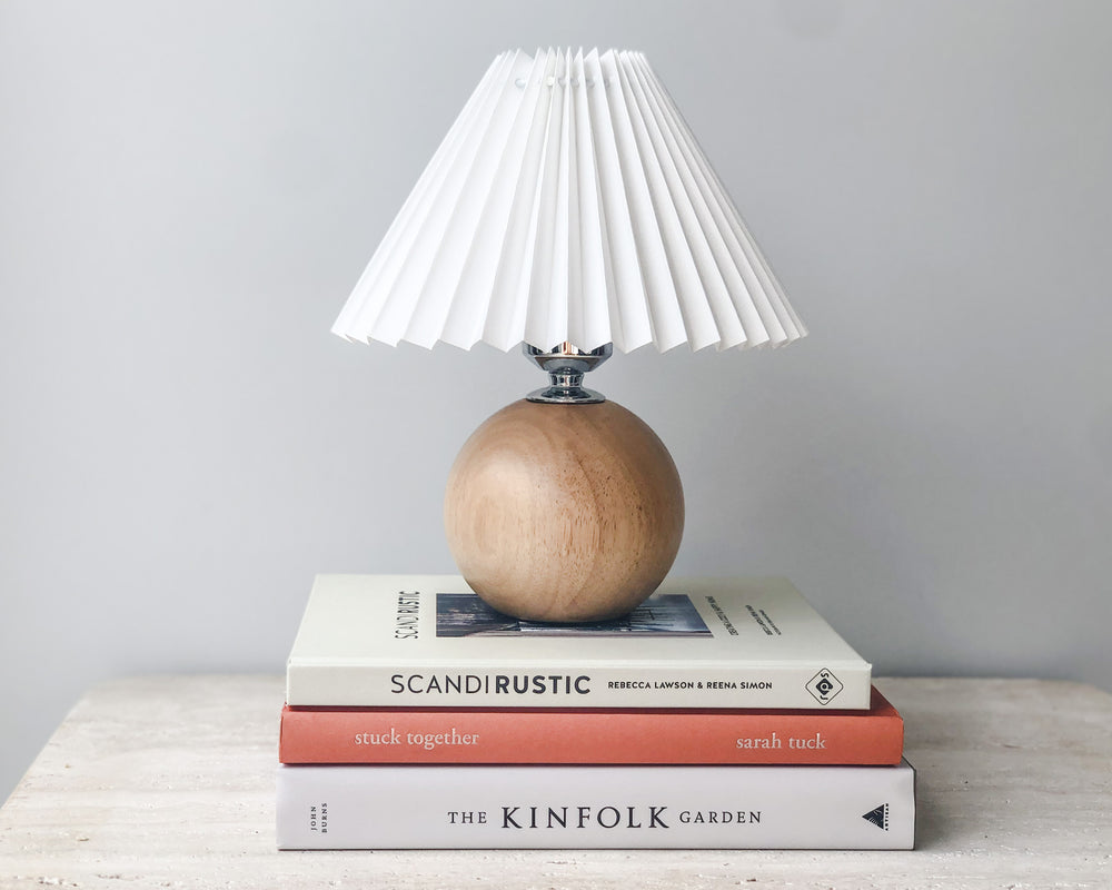 PETITE PLEATED LAMP | WOODEN