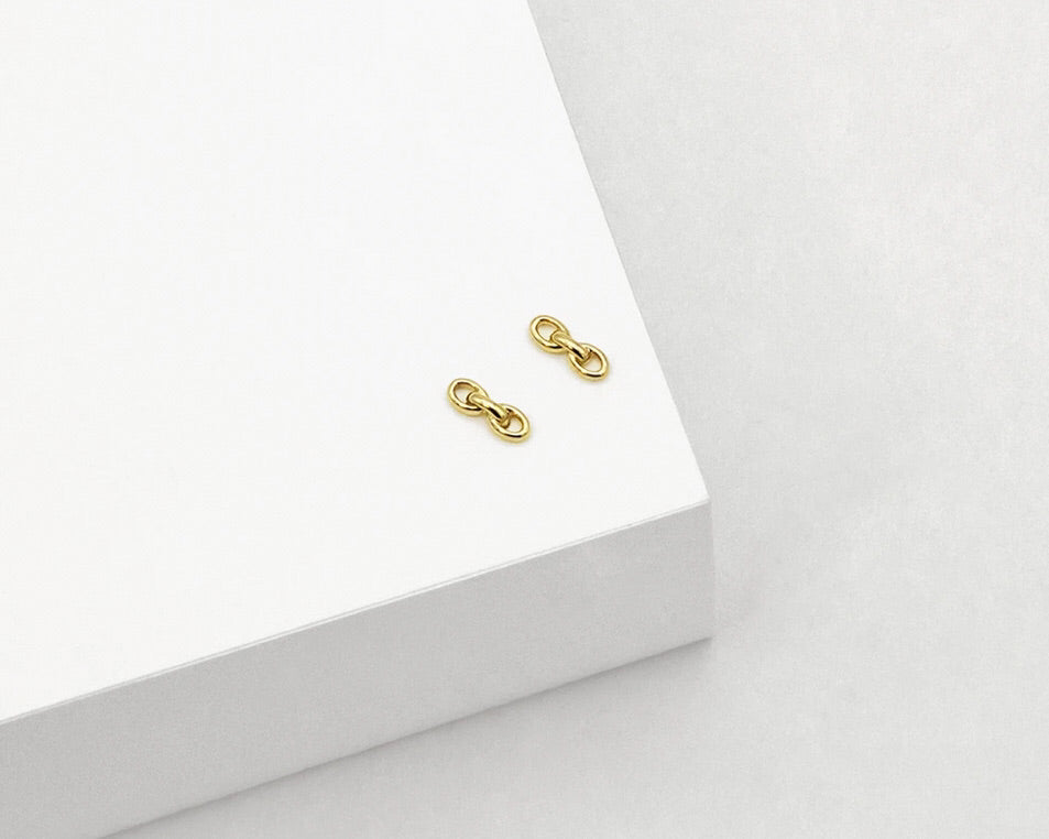 CHAIN STUD EARRINGS | LINDA TAHIJA