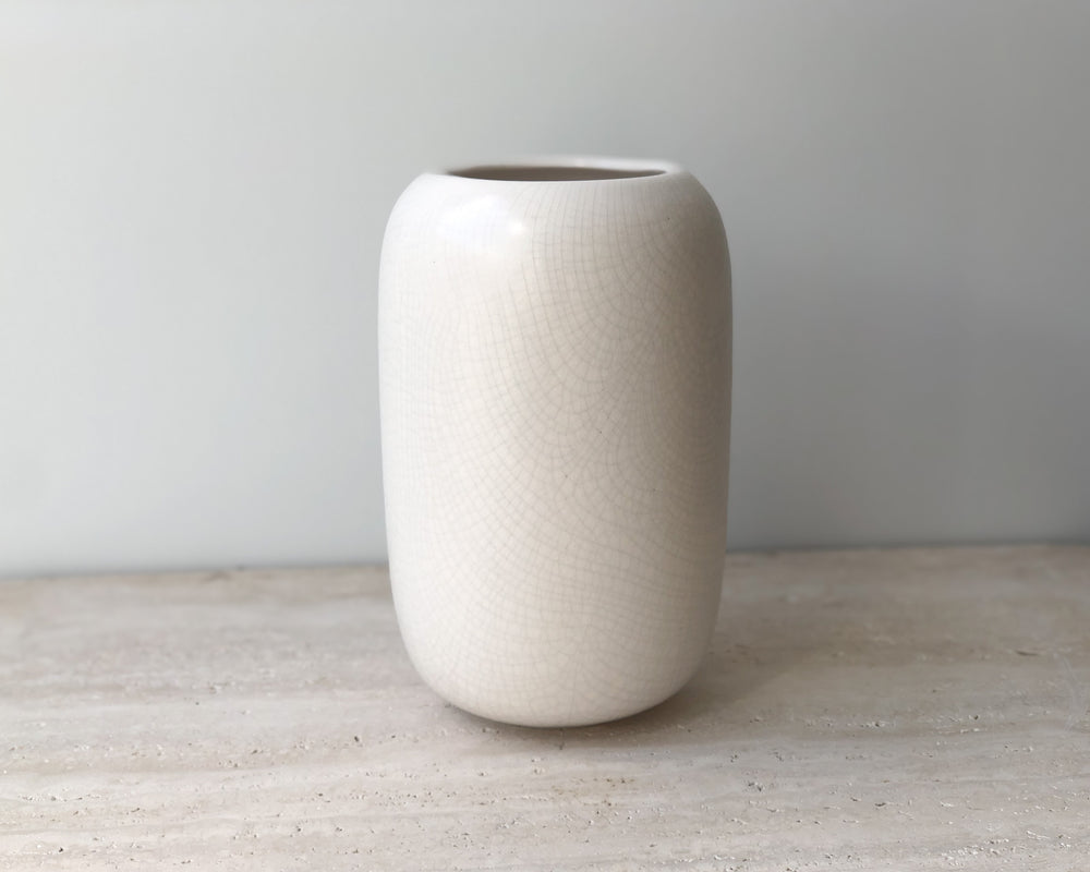 Load image into Gallery viewer, GIDON BING | OVUM VASE | BONE CRACKLE