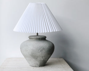 Load image into Gallery viewer, PLEATED CONCRETE LAMP | WHITE