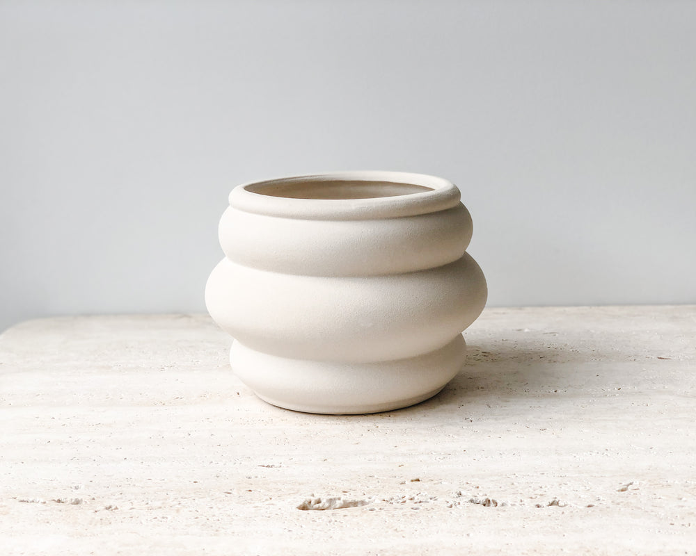 BEEHIVE FLOWER POT | CREAM