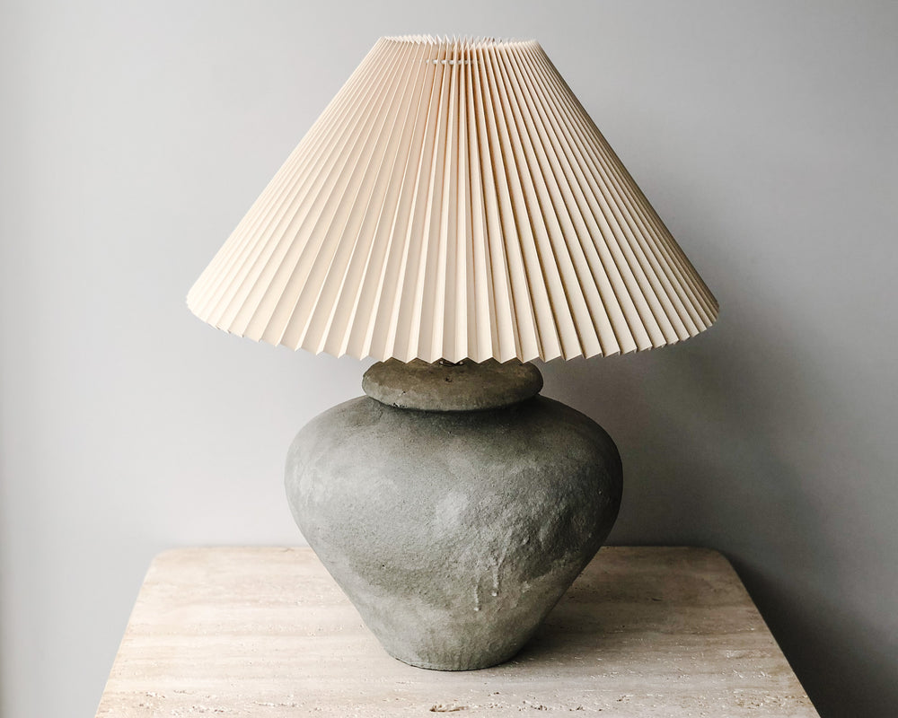 PLEATED CONCRETE LAMP | BONE