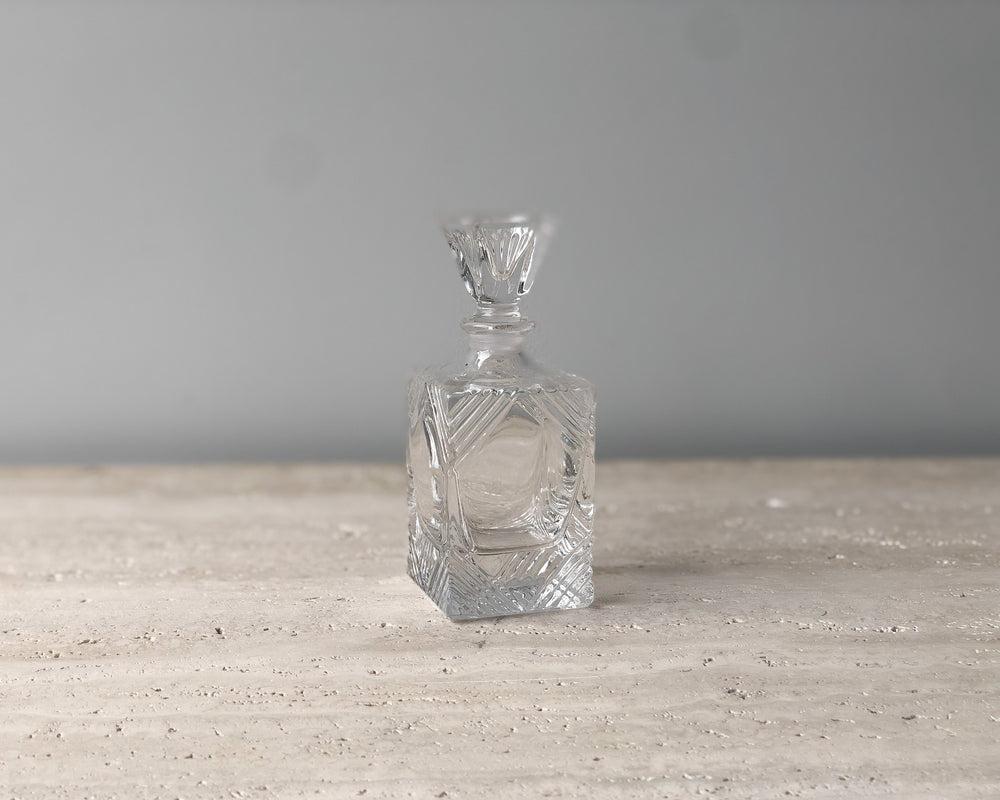 VINTAGE DECO PERFUME BOTTLE