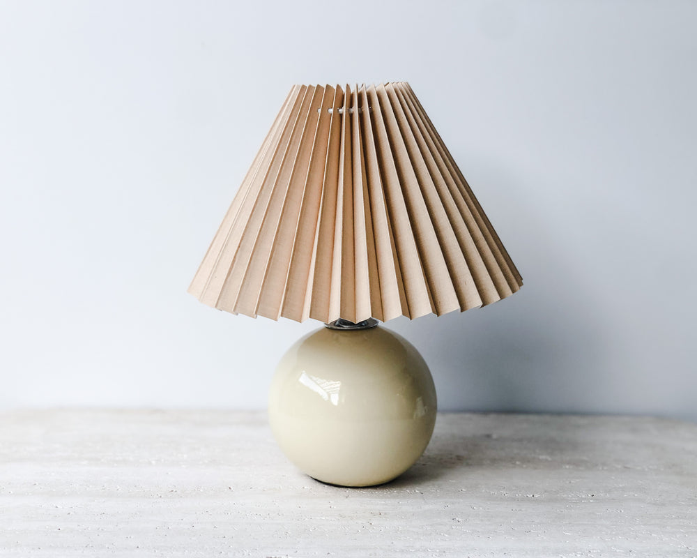 PETITE PLEATED LAMP | CERAMIC CREAM & NUDE
