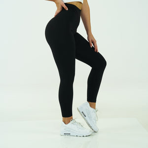 True Black Signature Leggings