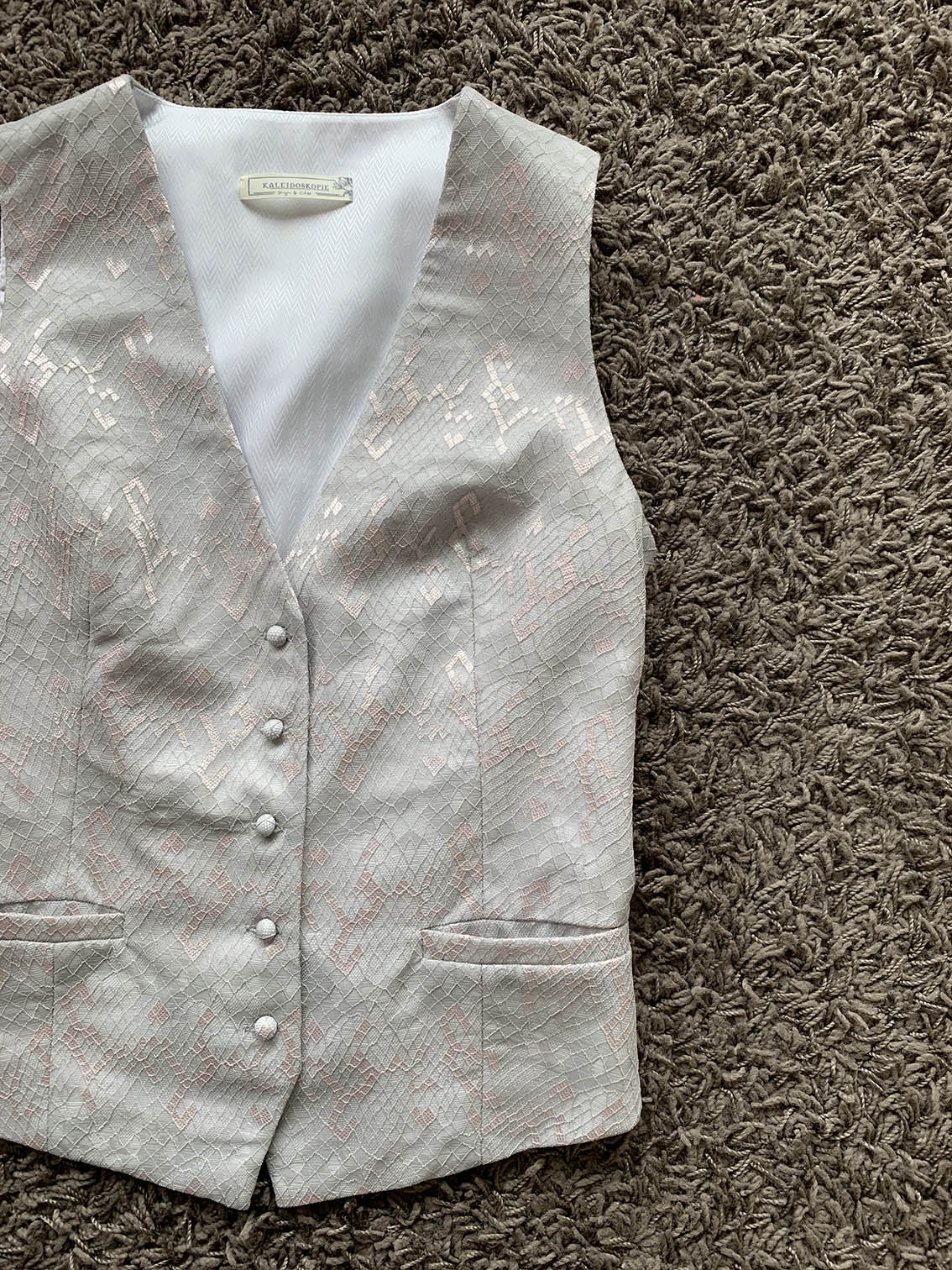 Silvery Off-white Mermaid Scale Lace Button-up Waistcoat