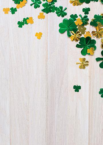 Clovers on Woodgrain
