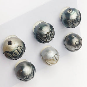 Carved Hawaiian Shaka Tattoo Tahitian Pearl 13-14mm (613)