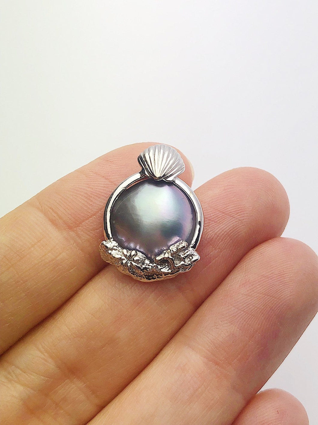 30% OFF - 14K White Gold Sea of Cortez Mabe Pearl Pendant, Made in Hawaii (#798)