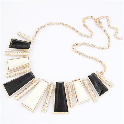 Irregular Vertical Bar Necklace - Black and White