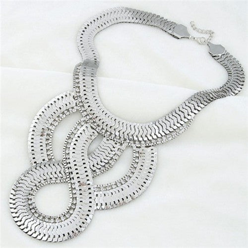 Luxurious Scale Design Exaggerating Necklace - Silver
