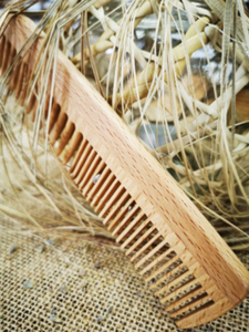 Natural Beechwood comb large