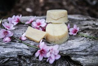 Dirty Hippie - Super Moisturising Shampoo Bar