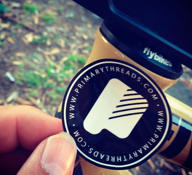 Primary Circle Sticker White Black