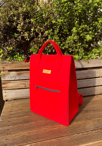 Backpack Small in Vibrant Red