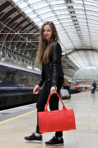 Suzan Travel Bag in Vibrant Red