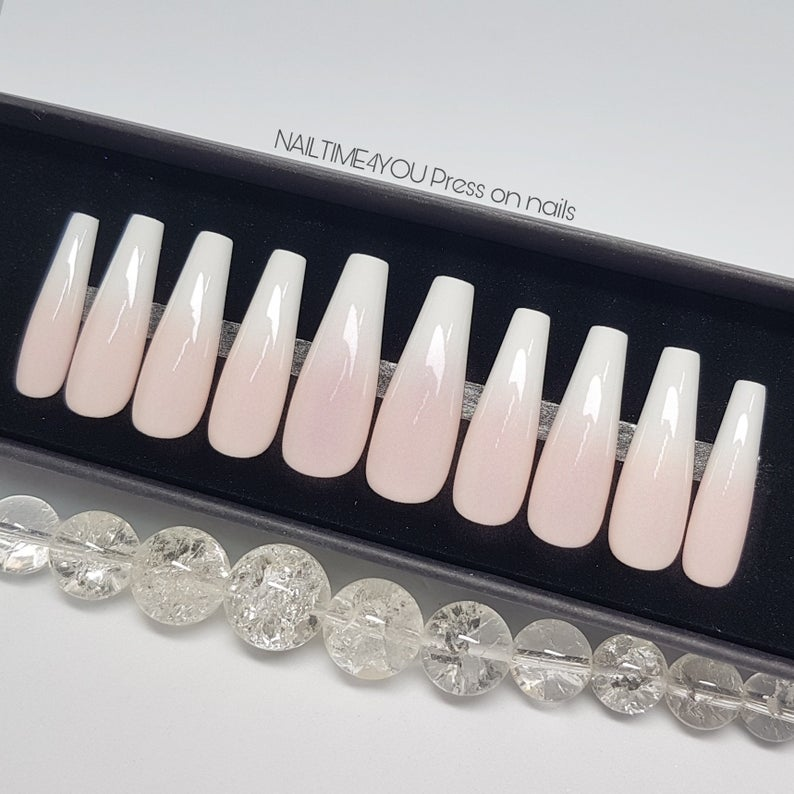 pink and white fake nail set