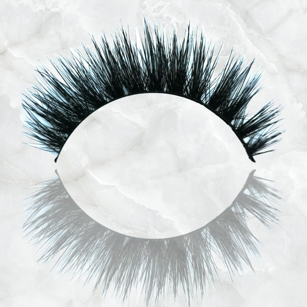 Blinking Beautiful Strip Lash Paris Edition