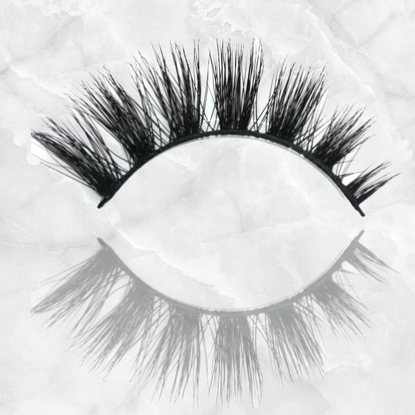 Blinking Beautiful Strip Lash London Edition