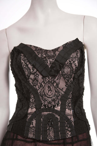 Black lace corset by Ketlin Bachmann