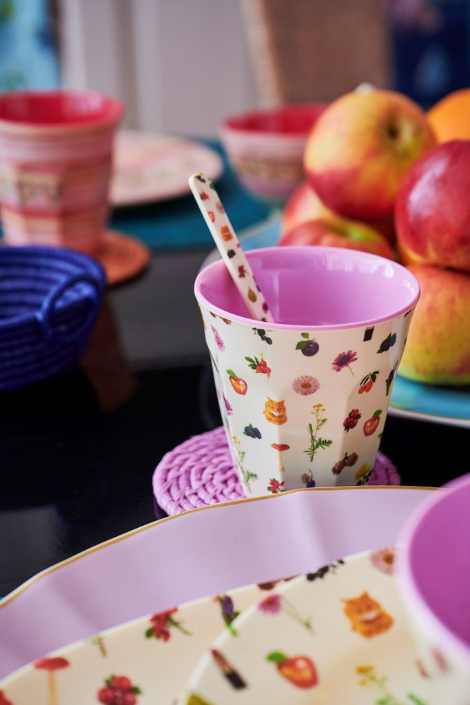 Rice DK MELAMINE CUP WITH Lipstick Fall PRINT - MEDIUM